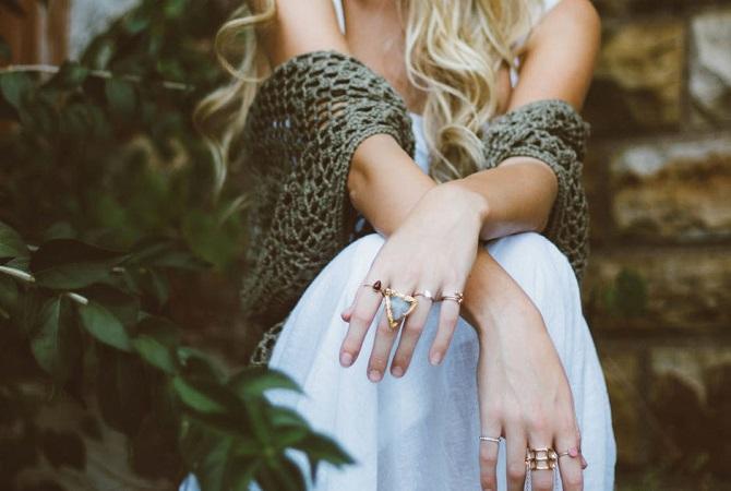 How to wear crystal jewelry